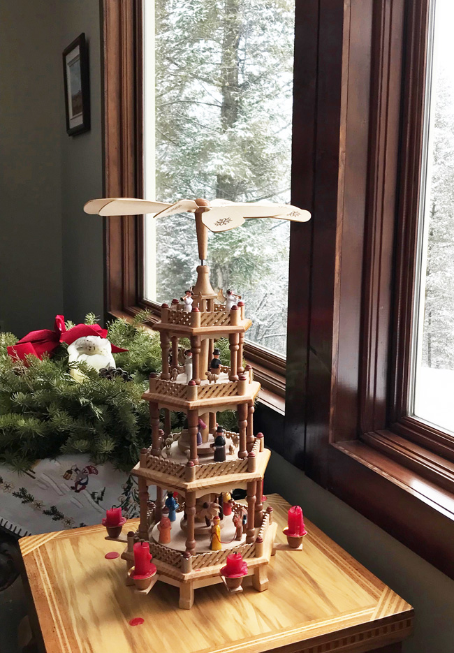 ten favorite Christmas traditions, German Christmas pyramid