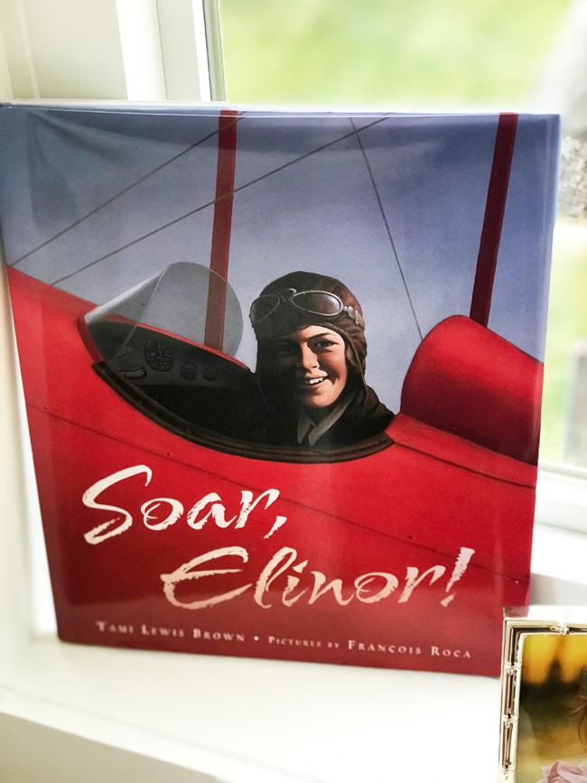 home office Soar Elinor book, Elinor Florence