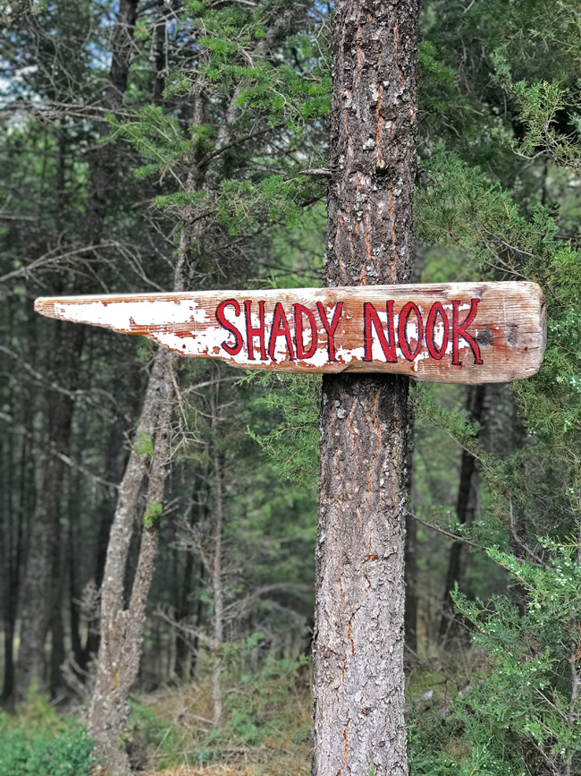 TREEHOUSE, Shady Nook sign