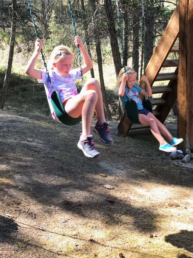 TREEHOUSE, girls swinging