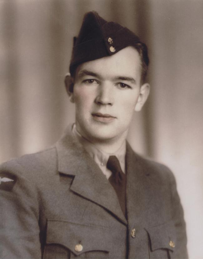 Douglas Percy Florence, RCAF formal portrait