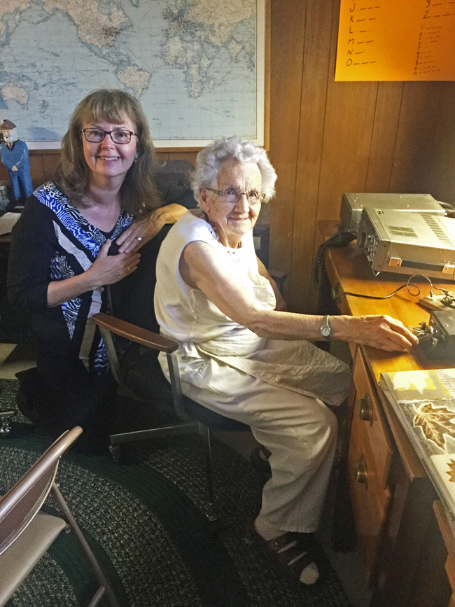 Author Elinor Florence and RCAF veteran Merle Taylor